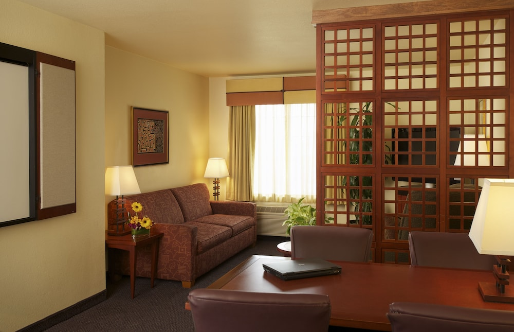 In-Room Business Center, Larkspur Landing Folsom - An All-Suite Hotel