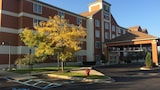 Holiday Inn Express & Suites Ann Arbor - Ann Arbor Hotels