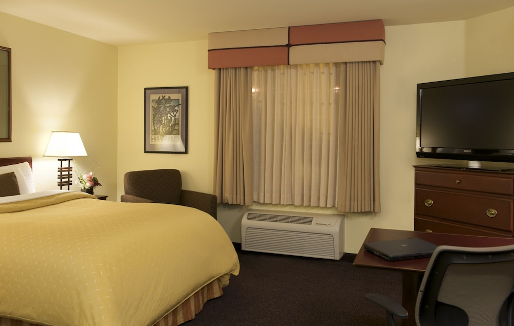 Room, Larkspur Landing Renton - An All-Suite Hotel