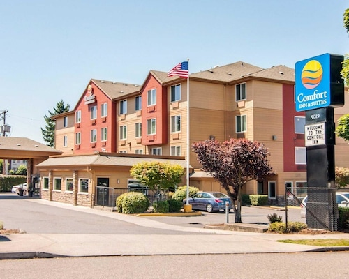 Comfort Inn and Suites Portland Airport