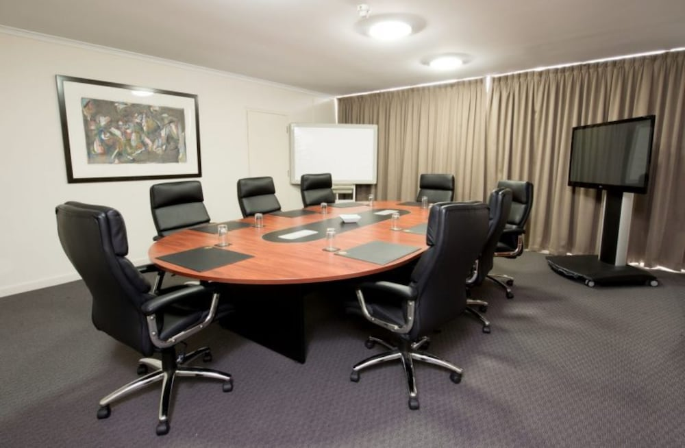 Meeting Facility, Adelaide Meridien Hotel & Apartments