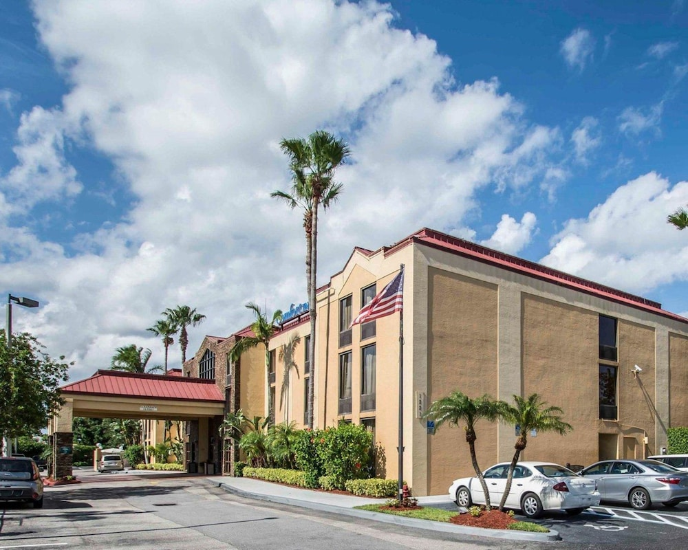Featured Image, Comfort Inn & Suites Lantana - West Palm Beach South
