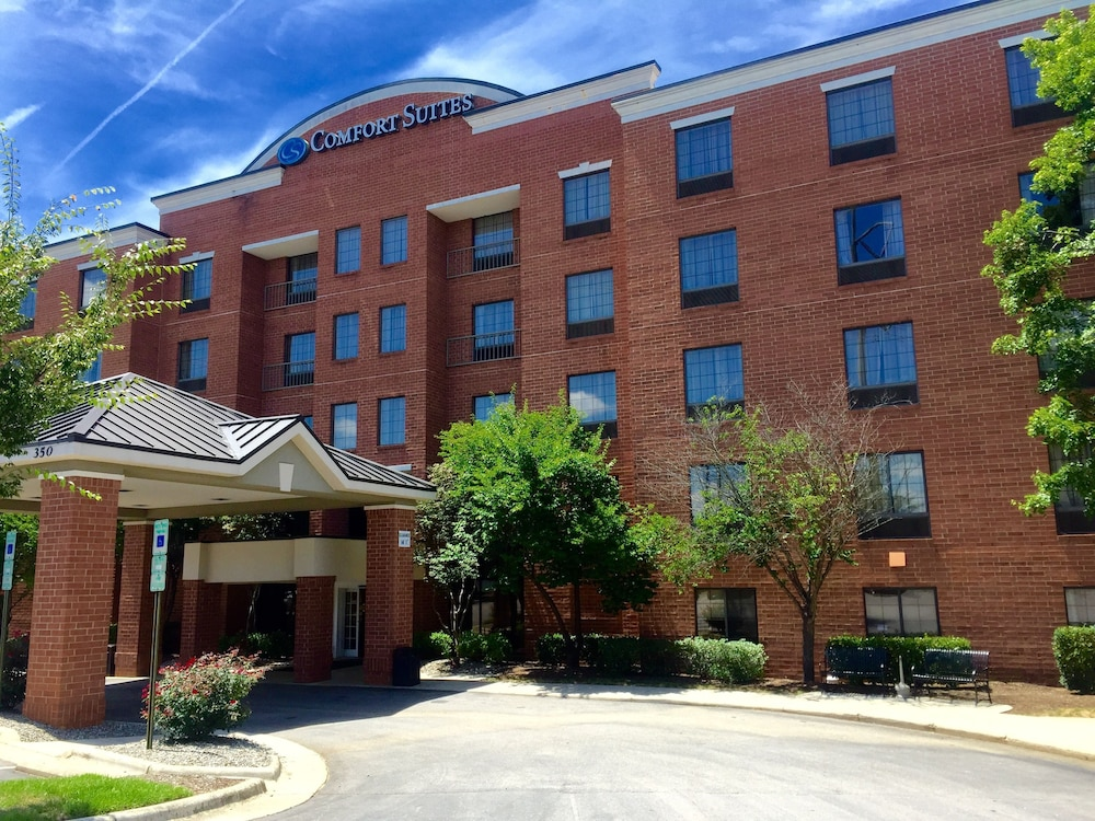 Comfort Suites Regency Park In Raleigh