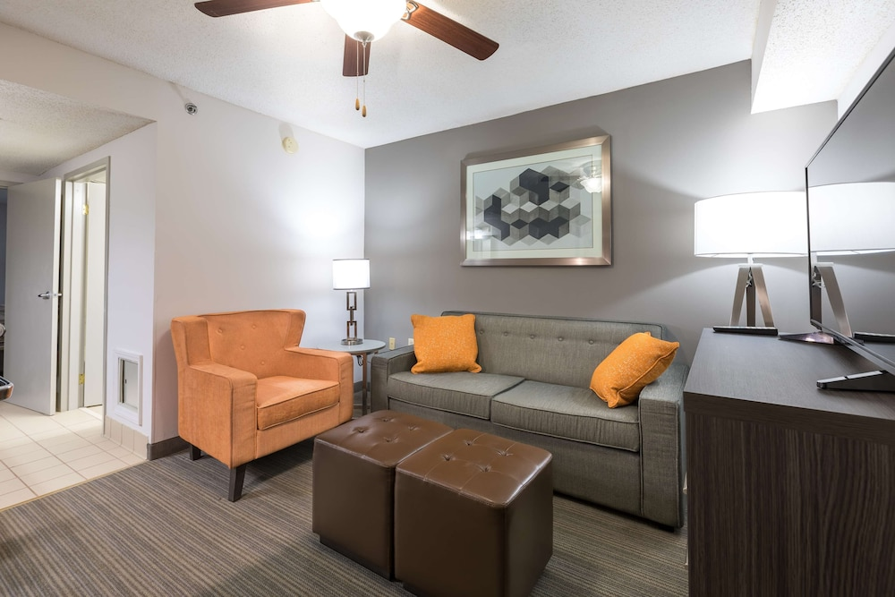 Room, Country Inn & Suites by Radisson, Lake Norman Huntersville, NC