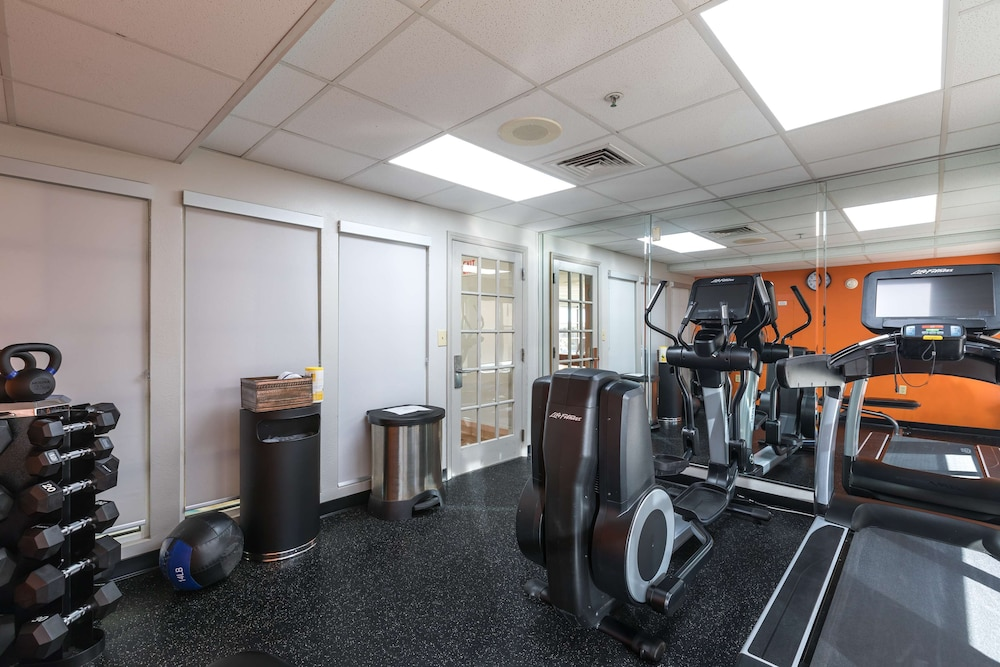 Fitness Facility, Country Inn & Suites by Radisson, Lake Norman Huntersville, NC