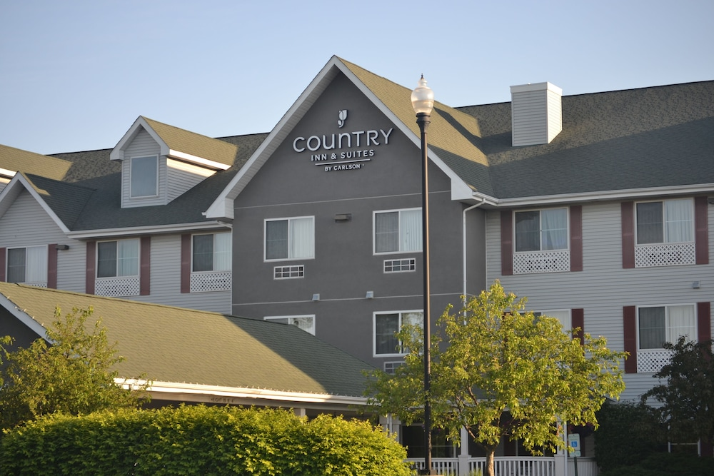 Front of Property, Country Inn & Suites by Radisson, Gurnee, IL