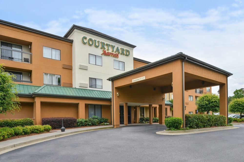 Exterior, Courtyard Suwanee by Marriott