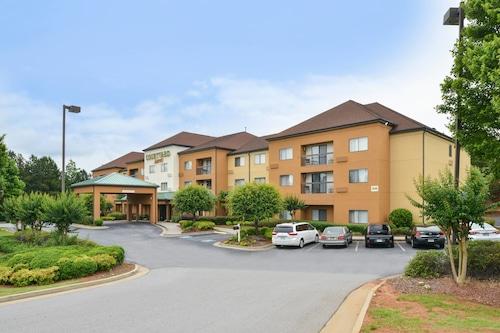 Great Place to stay Courtyard Suwanee by Marriott near Suwanee