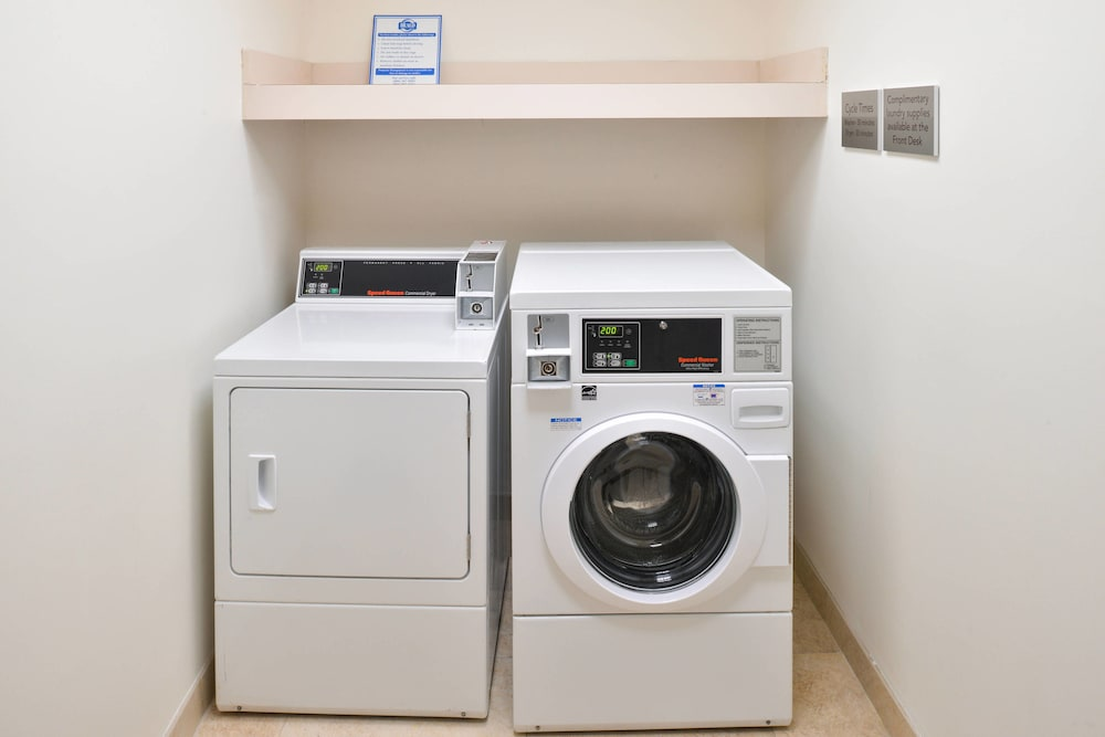 Laundry, Courtyard Suwanee by Marriott