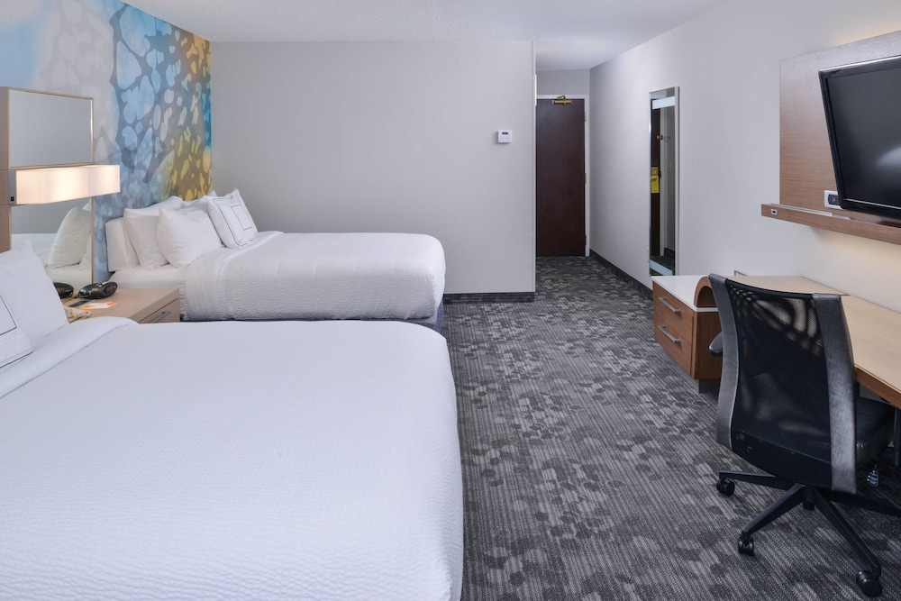 Room, Courtyard Suwanee by Marriott