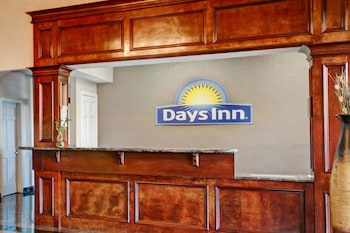 Days Inn and Suites Houston North/FM 1960
