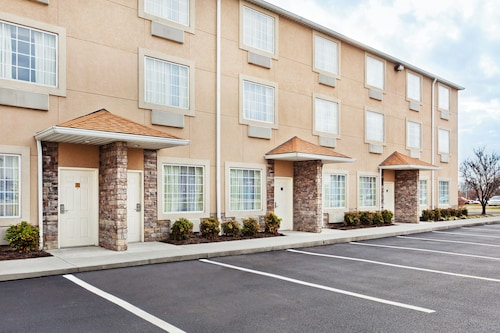 Great Place to stay Holiday Inn Express & Suites Alcoa (Knoxville Airport) near Alcoa