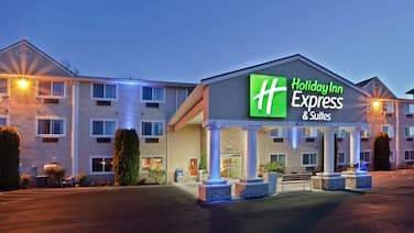 Holiday Inn Express & Suites Burlington, an IHG Hotel