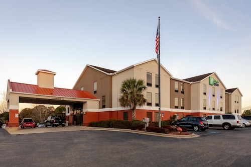 Holiday Inn Express Hotel & Suites Milton East I-10