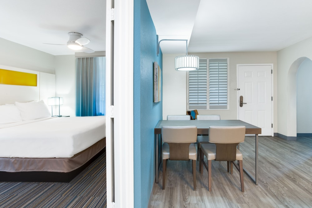 Room, Holiday Inn Resort Orlando Suites - Waterpark