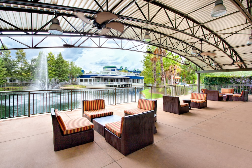 Terrace/Patio, Holiday Inn Resort Orlando Suites - Waterpark