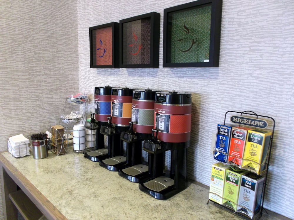 Coffee Service, Hampton Inn Freeport/Brunswick