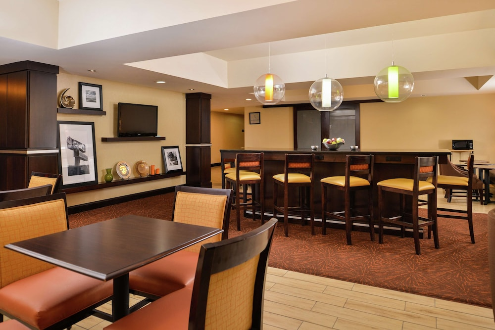 Breakfast Area, Hampton Inn Raleigh/Clayton I-40