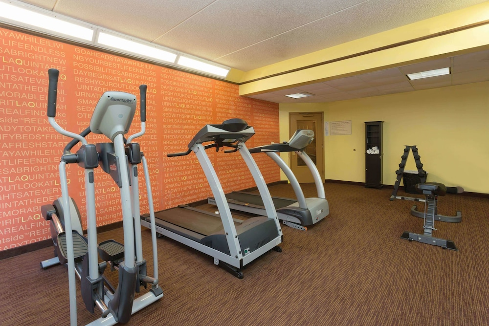 Fitness Facility, La Quinta Inn & Suites by Wyndham Raleigh/Durham Southpoint