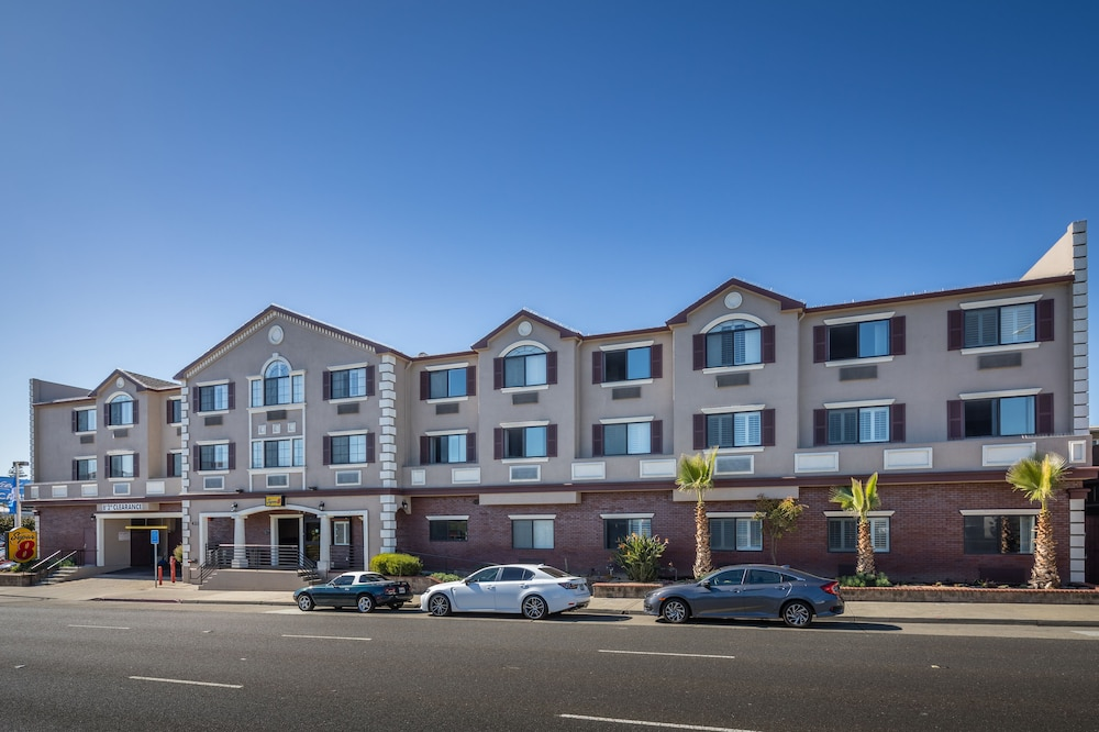 Front of Property, Super 8 by Wyndham San Bruno /SF Intl Arpt West