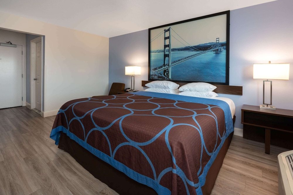 Room, Super 8 by Wyndham San Bruno /SF Intl Arpt West