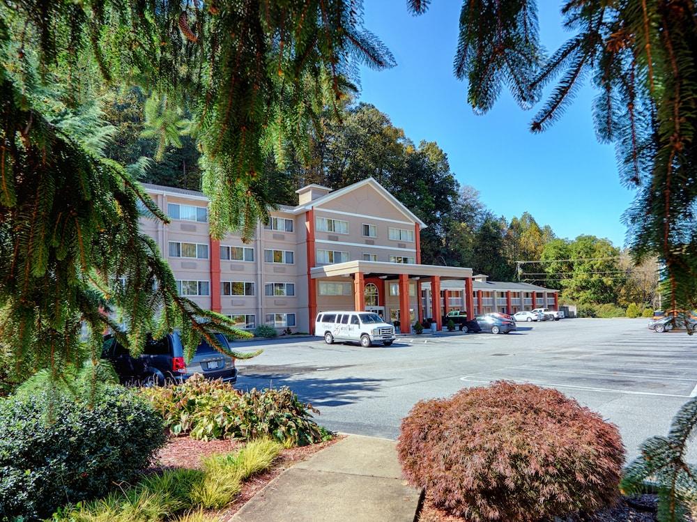 Cherokee Grand Hotel In Cherokee Hotel Rates Reviews On Orbitz