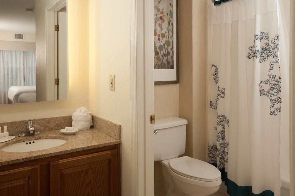 Bathroom, Residence Inn by Marriott Orlando Convention Center