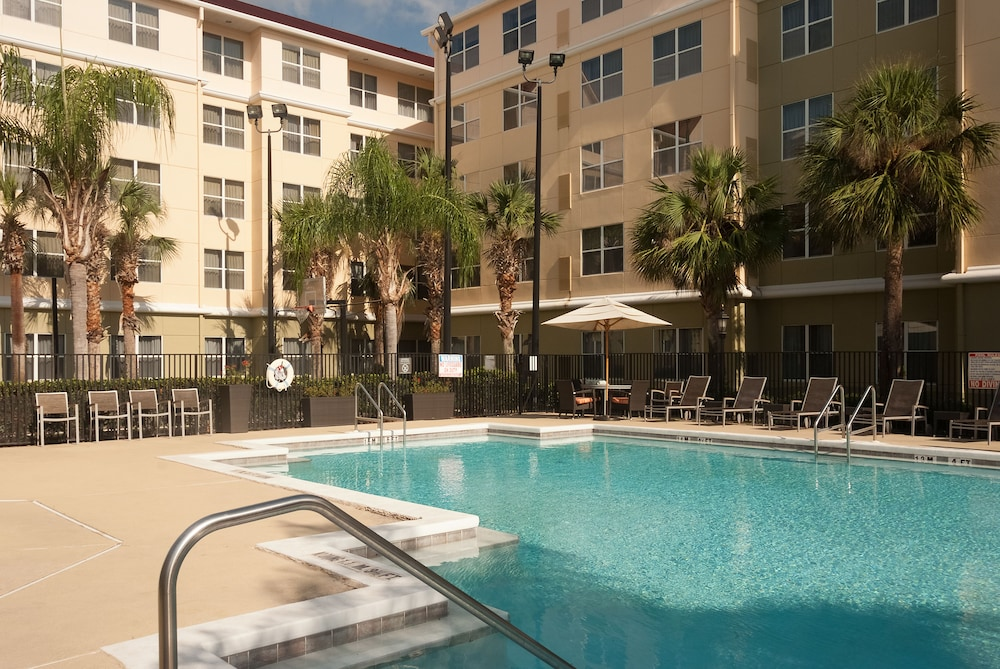 Outdoor Pool, Residence Inn by Marriott Orlando Convention Center