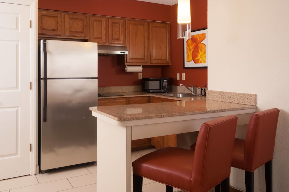 Private Kitchenette, Residence Inn by Marriott Orlando Convention Center