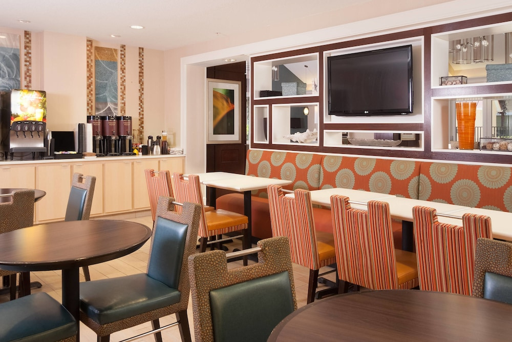 Breakfast Area, Residence Inn by Marriott Orlando Convention Center