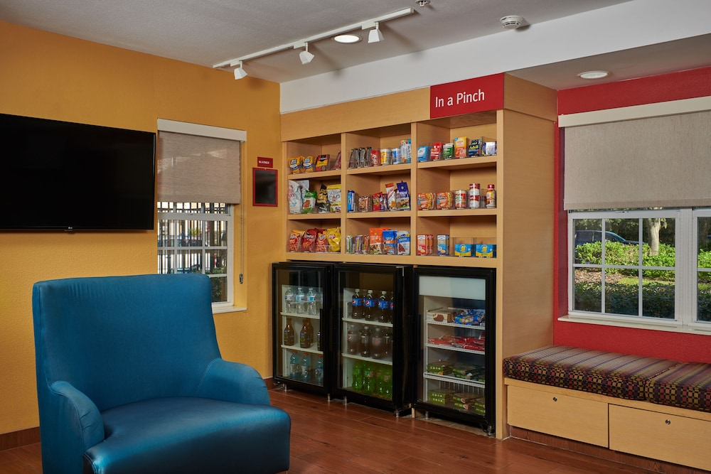 Gift Shop, TownePlace Suites by Marriott Tampa North/I-75 Fletcher
