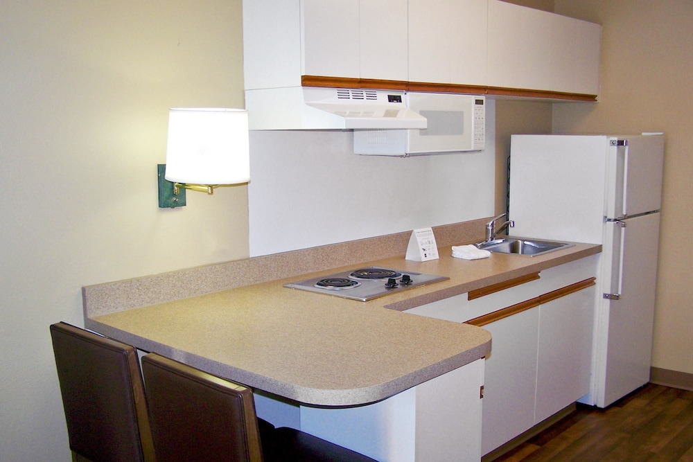 Private Kitchen, Extended Stay America - Meadowlands - East Rutherford