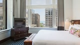 Staypineapple at The Alise Chicago - Chicago Hotels