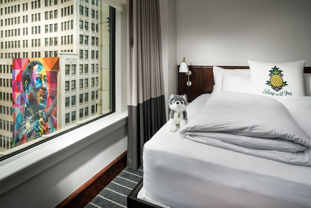Room, Staypineapple, An Iconic Hotel, The Loop
