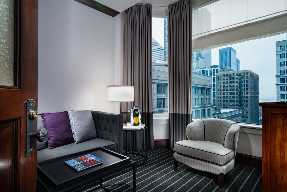 Living Room, Staypineapple, An Iconic Hotel, The Loop
