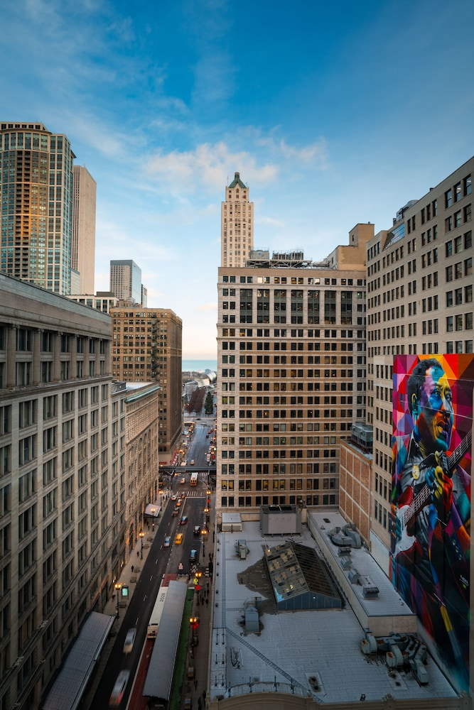 View from Property, Staypineapple, An Iconic Hotel, The Loop