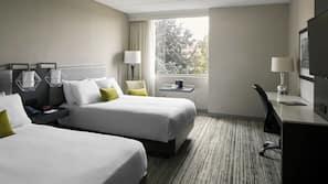 고급 침구, 오리/거위털 이불, 필로우탑 침대, 객실 내 금고