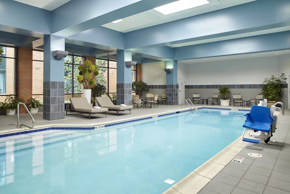 Indoor Pool, Marriott Cincinnati Airport