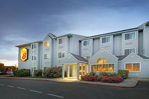Super 8 by Wyndham Sacramento Airport