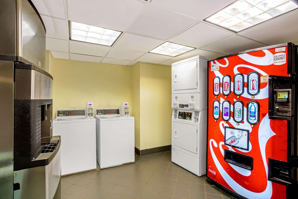 Laundry Room, La Quinta Inn & Suites by Wyndham Winston-Salem