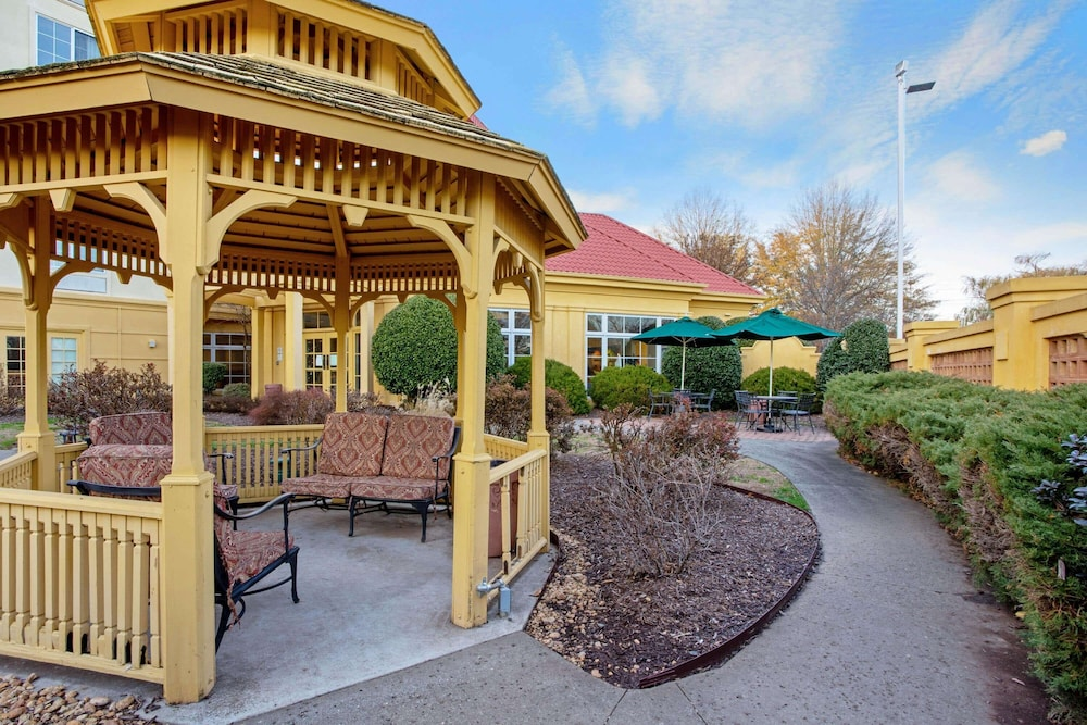 Gazebo, La Quinta Inn & Suites by Wyndham Winston-Salem
