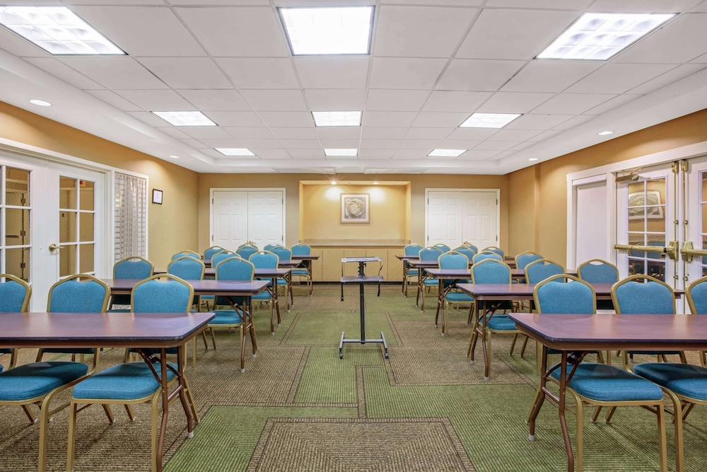 Meeting Facility, La Quinta Inn & Suites by Wyndham Winston-Salem