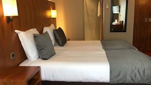 Een kluis op de kamer, extra bedden, gratis wifi, beddengoed