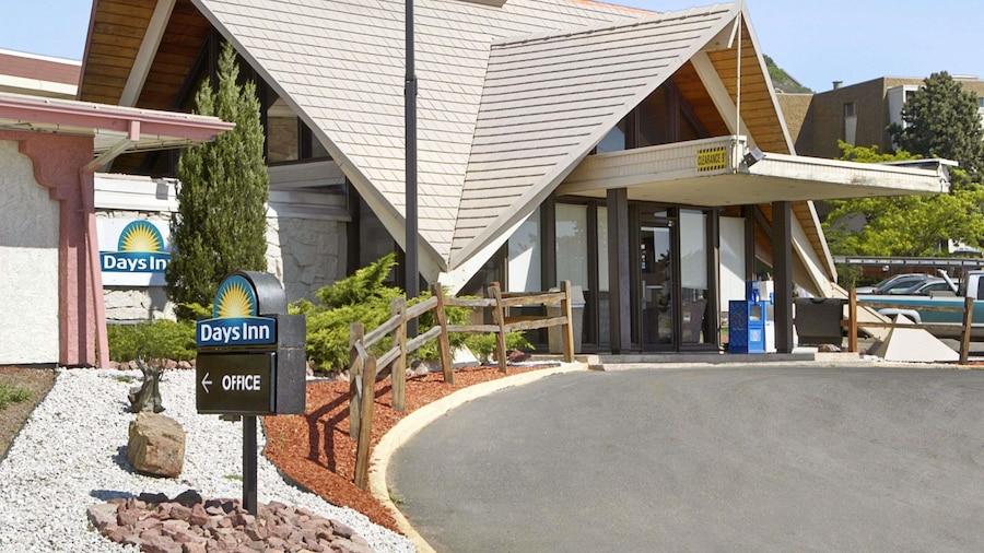Days Inn by Wyndham Colorado Springs/Garden of the Gods