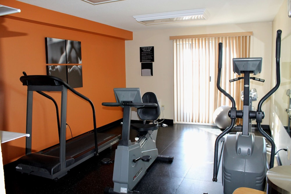 Fitness Facility, Country Inn & Suites by Radisson, Winnipeg, MB