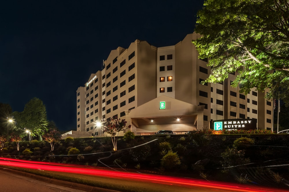 Front of Property - Evening/Night, Embassy Suites Raleigh-Crabtree
