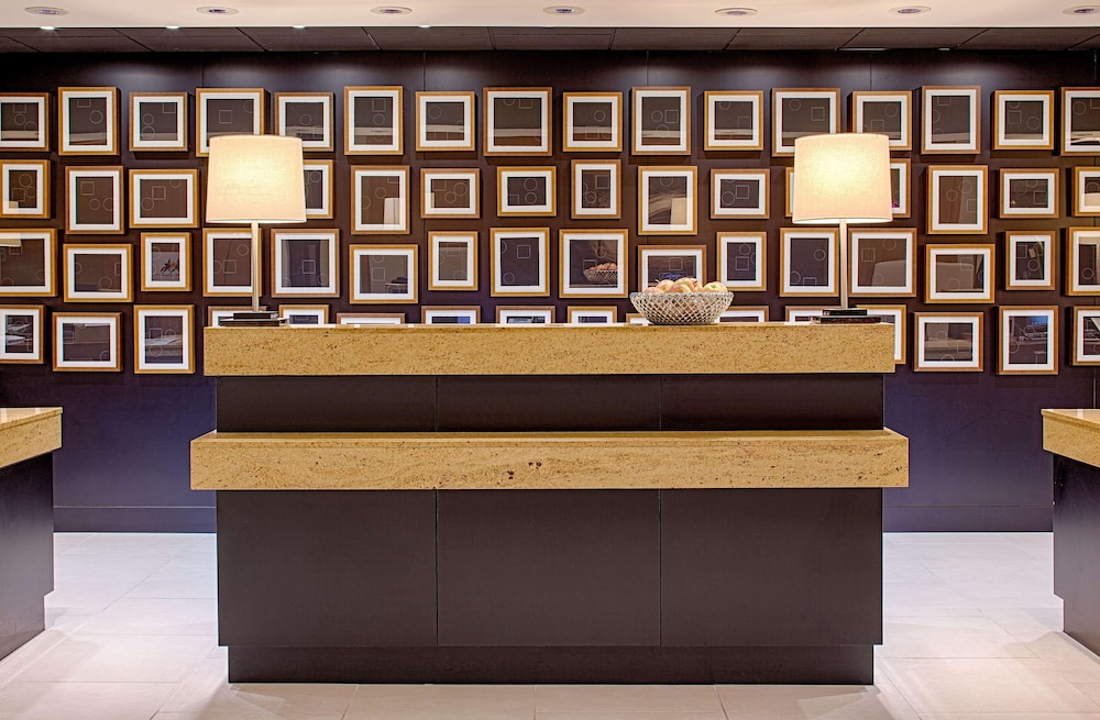 Reception, DoubleTree by Hilton Hotel Houston - Greenway Plaza