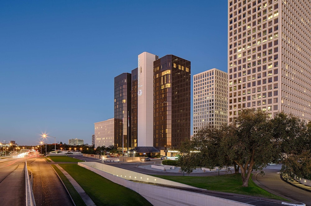 Featured Image, DoubleTree by Hilton Hotel Houston - Greenway Plaza