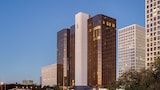 DoubleTree by Hilton Hotel Houston - Greenway Plaza - Houston Hotels