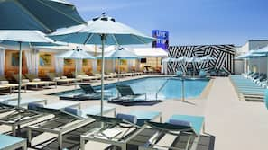 3 outdoor pools, cabanas (surcharge)
